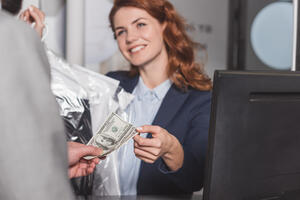 Surcharge vs cash discountpay in cash