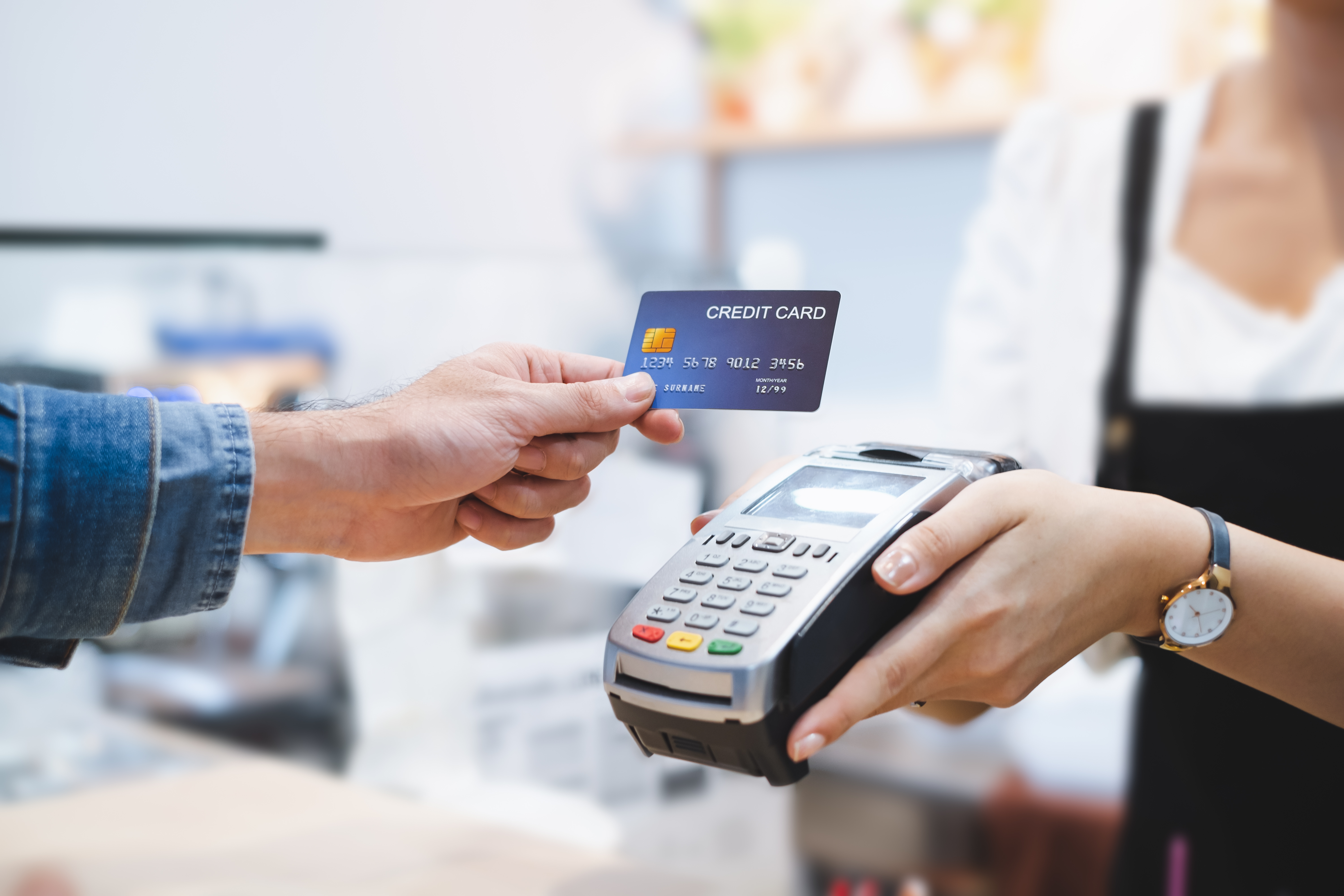 surcharge vs cash discount pay by card
